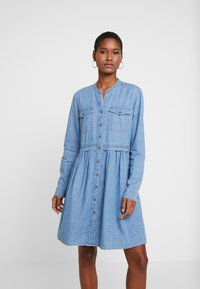 edc by Esprit - DRESS - Robe en jean - blue light wash - 0