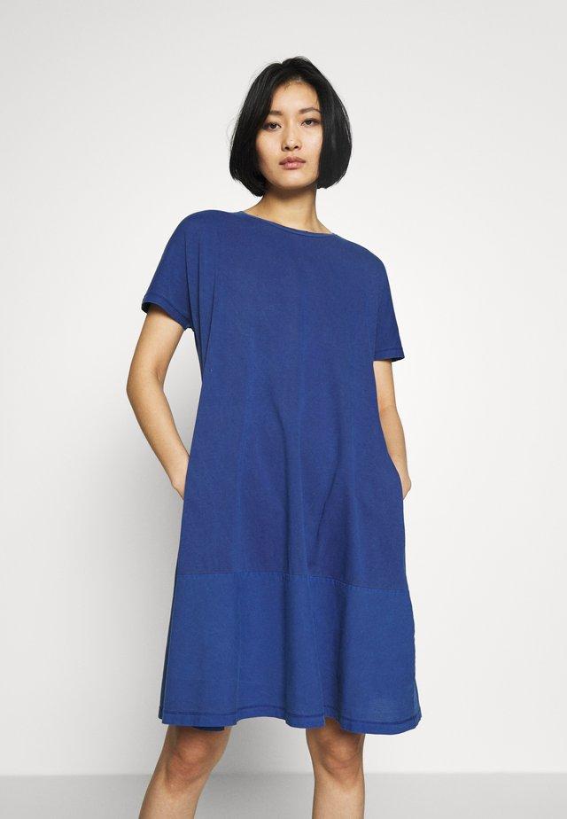 FAB MIX DRESS - Jerseykjoler - ink