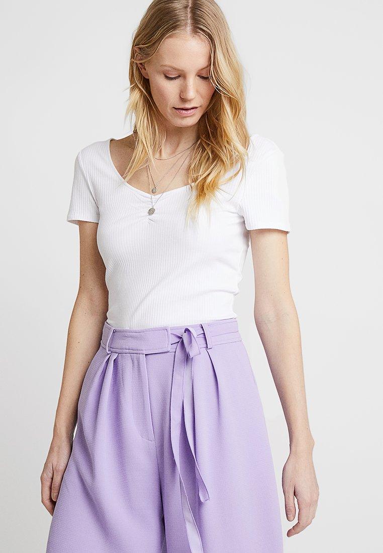 edc by Esprit - KNOT STRAP - Print T-shirt - white
