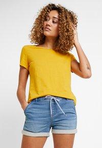 edc by Esprit - OCS BACK DETAIL - Print T-shirt - honey yellow - 2