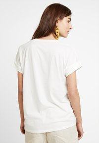 edc by Esprit - T-shirt basic - off white - 2