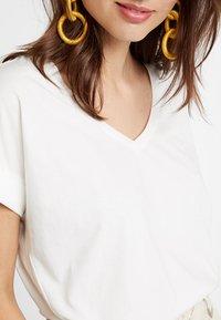 edc by Esprit - T-shirt basic - off white - 5
