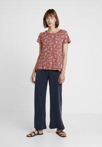 edc by Esprit - CORE TIGERS - T-shirt print - rust orange - 1