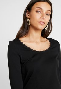 edc by Esprit - CORE FLOW - Long sleeved top - black - 3