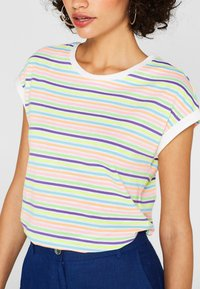 edc by Esprit - MIT MULTICOLOR-STREIFEN IN NEON - T-shirt med print - multi-coloured - 4