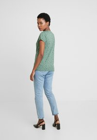 edc by Esprit - CORE - T-shirts med print - khaki green - 2