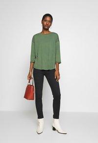 edc by Esprit - CORE - Long sleeved top - khaki green - 1