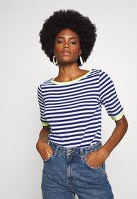 edc by Esprit - CONTRAST NECK - T-shirt print - ink - 0