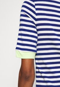 edc by Esprit - CONTRAST NECK - T-shirt print - ink - 5