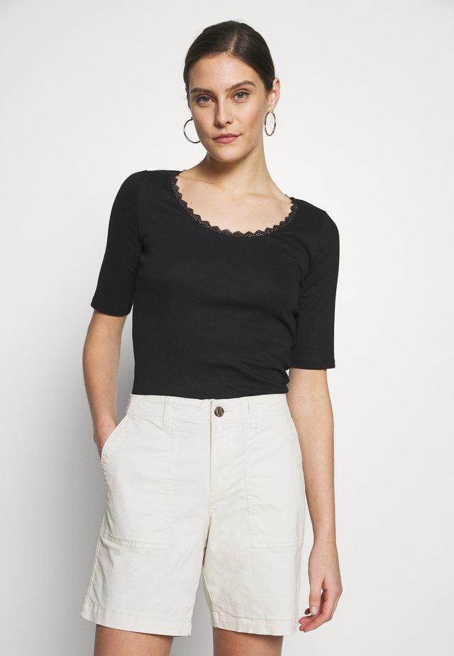 CORE FLOW  - T-Shirt print - black