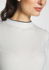 edc by Esprit - CREW  - Triko spotiskem - off white - 6
