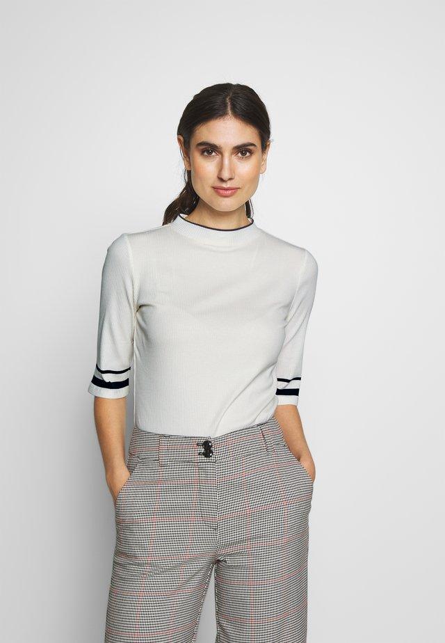CREW  - T-shirt med print - off white