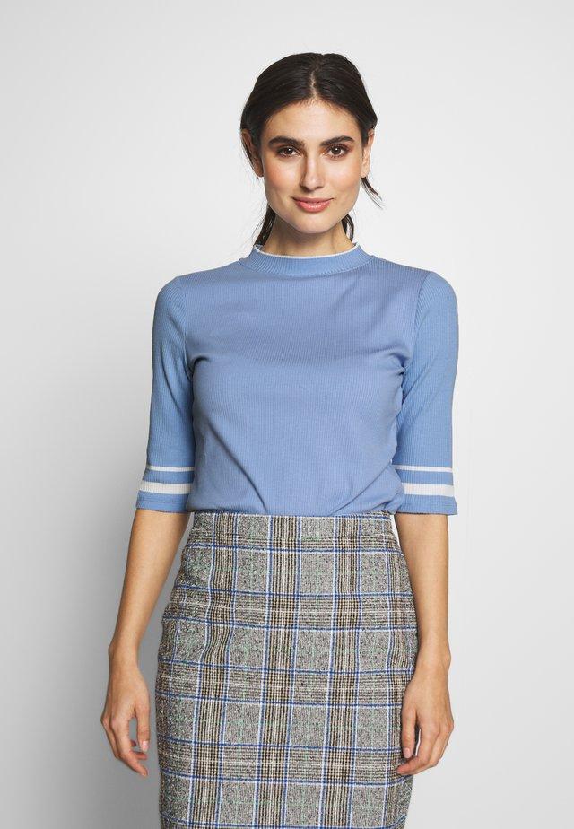 CREW  - T-shirt con stampa - blue lavender