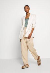 edc by Esprit - FLOW  - Topper langermet - khaki green - 1