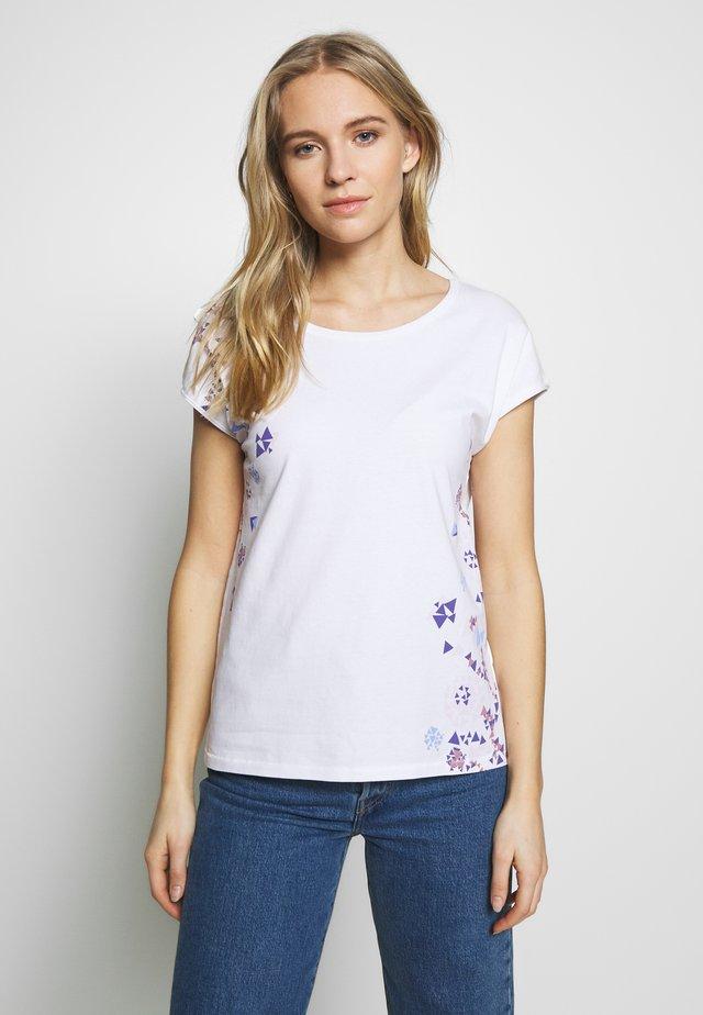 SHOULDER - Camiseta estampada - white