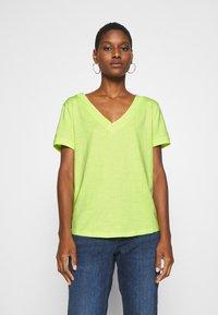 edc by Esprit - CORE OCS FLOW - Camiseta básica - lime yellow - 0