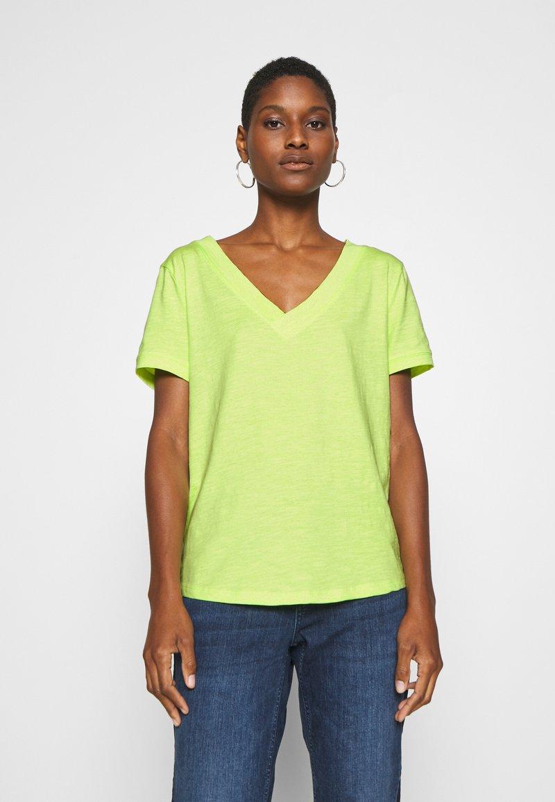 edc by Esprit - CORE OCS FLOW - Camiseta básica - lime yellow