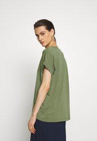 edc by Esprit - FLOW - T-shirts - khaki green - 2