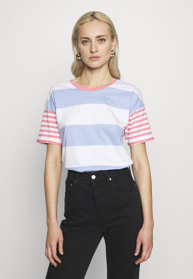 CORE OCS STRIPE - Camiseta estampada - blue lavender