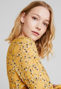 edc by Esprit - FLUENT - Blus - honey yellow - 3