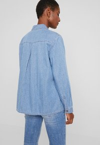 edc by Esprit - STRAIGHT FIT - Button-down blouse - blue light - 2