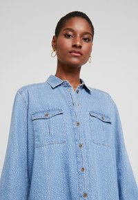 edc by Esprit - STRAIGHT FIT - Button-down blouse - blue light - 4