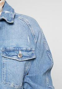 edc by Esprit - JACKET - Veste en jean - blue light wash - 4