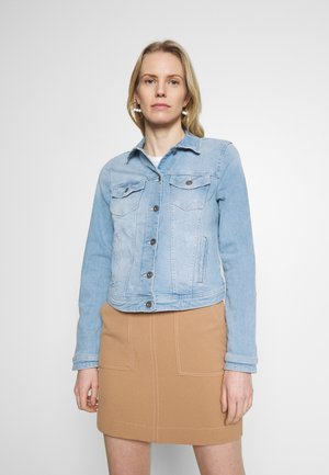 Denim jacket - blue light wash