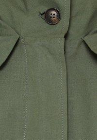 edc by Esprit - MIT NEON-FUTTER - Parka - khaki green - 4