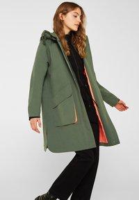 edc by Esprit - MIT NEON-FUTTER - Parka - khaki green - 5