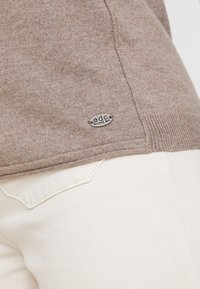 edc by Esprit - BASIC NECK - Strickpullover - taupe - 4