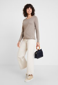 edc by Esprit - BASIC NECK - Strickpullover - taupe - 1