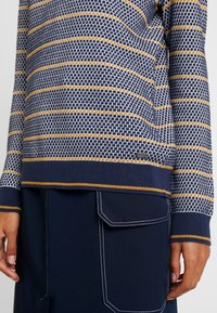 edc by Esprit - STRUCTURE  - Pullover - navy - 5