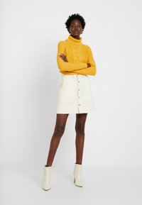 edc by Esprit - CABLE ROLL NECK - Trui - honey yellow - 1