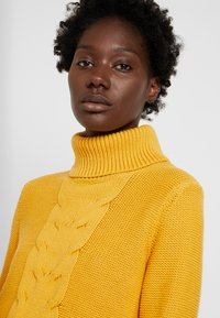 edc by Esprit - CABLE ROLL NECK - Trui - honey yellow - 5