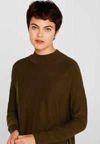 edc by Esprit - MIT LOGO-INTARSIEN - Trui - khaki green - 3