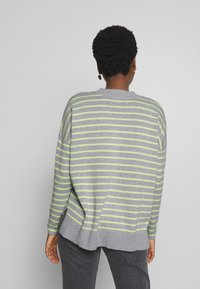 edc by Esprit - STRIPED - Sweter - light grey - 2