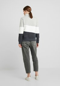 edc by Esprit - COLORBLOCK HOOD - Sweater - light grey - 2