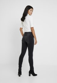 edc by Esprit - Jeansy Skinny Fit - black dark wash - 2