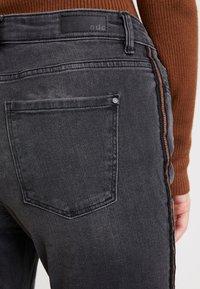 edc by Esprit - Jeansy Slim Fit - black medium wash - 5