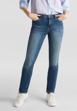 MIT MODISCHEN DETAILS - Slim fit jeans - blue dark washed