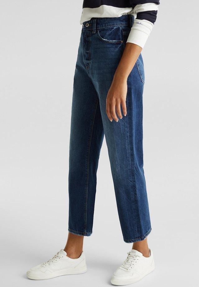 MIT WEITEM BEIN - Straight leg jeans - blue medium