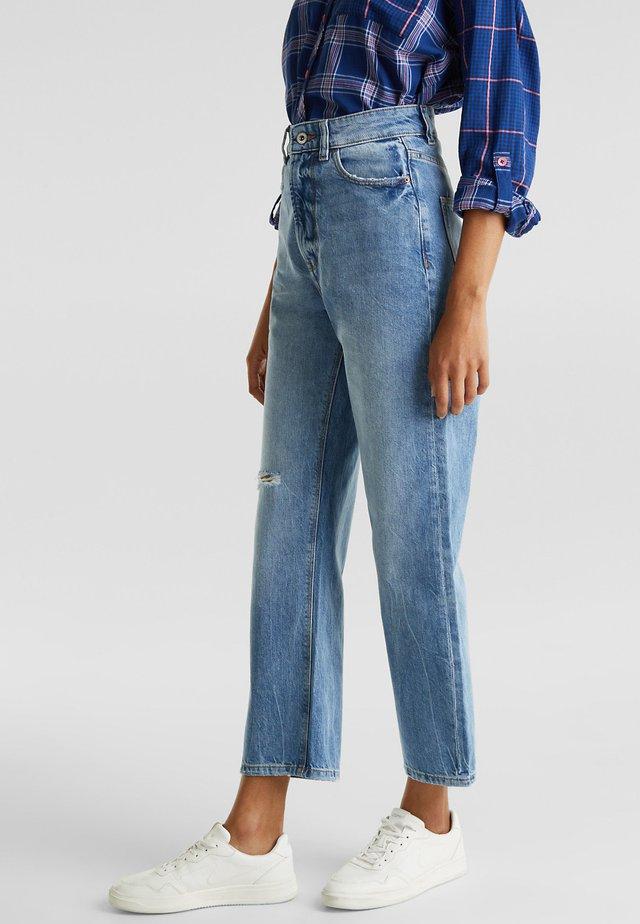 MIT WEITEM BEIN - Straight leg jeans - light blue
