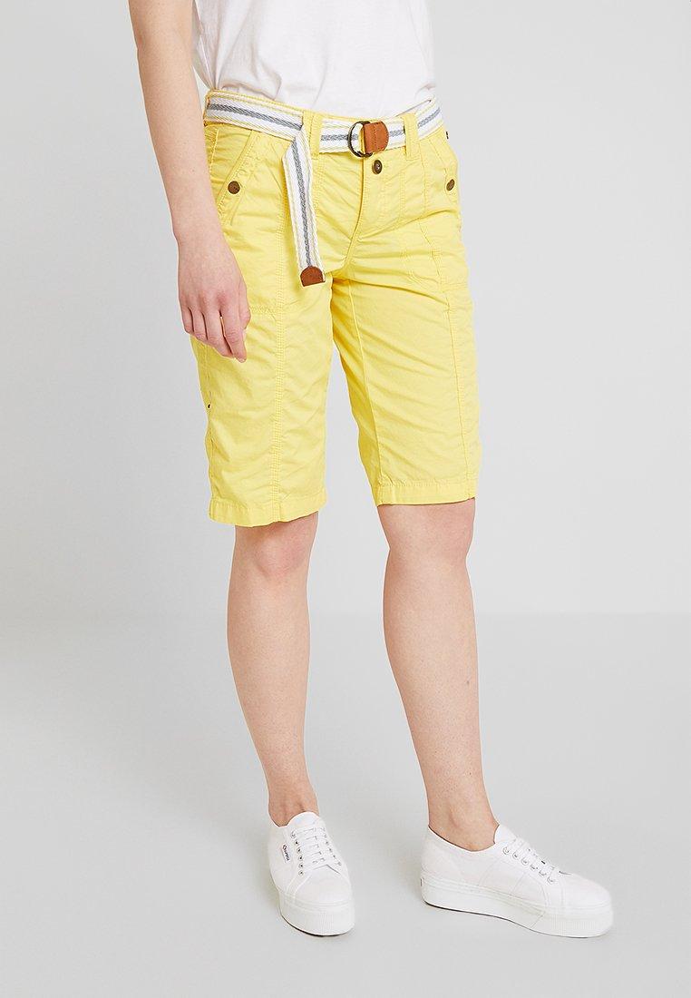 edc by Esprit - PLAY BERMUDA - Shorts - bright yellow
