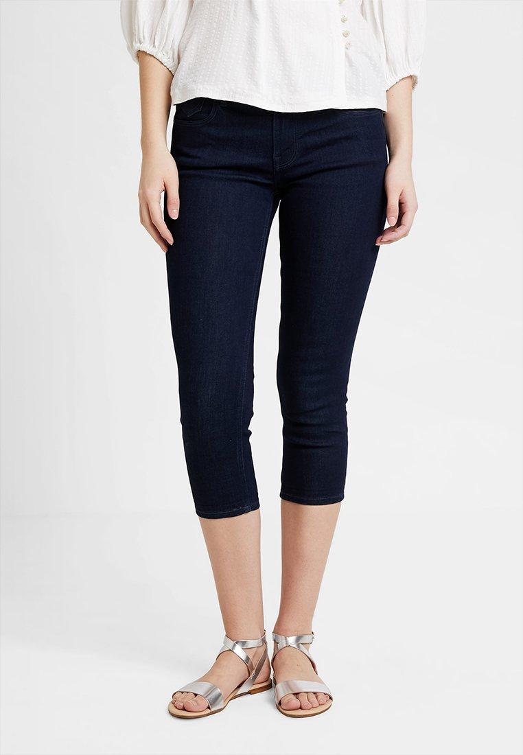 edc by Esprit - SLIM CROPPED - Denim shorts - blue rinse