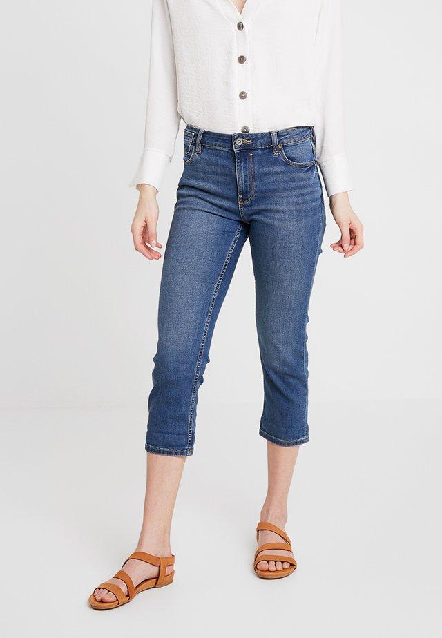 SLIM CROPPED - Jeans Shorts - blue medium wash
