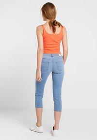 edc by Esprit - SLIM CROPPED - Denim shorts - blue light wash - 2