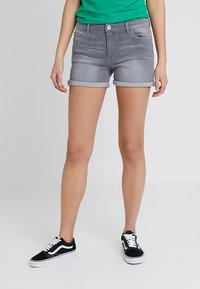 edc by Esprit - Jeans Shorts - grey light wash - 0
