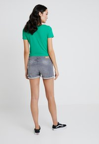 edc by Esprit - Jeans Shorts - grey light wash - 2