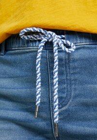 edc by Esprit - JOGG  - Denim shorts - blue medium wash - 6